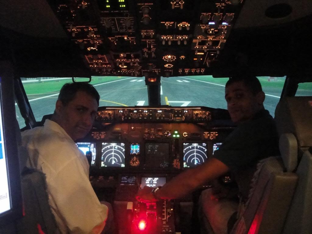 Visita ao Simulador do 737-800NG na SIM Industries DSC01988_zps2668da0d