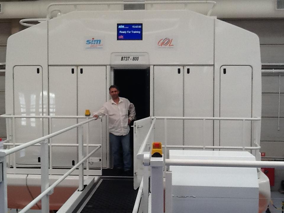 Visita ao Simulador do 737-800NG na SIM Industries IMG_1577_zps6931d02f