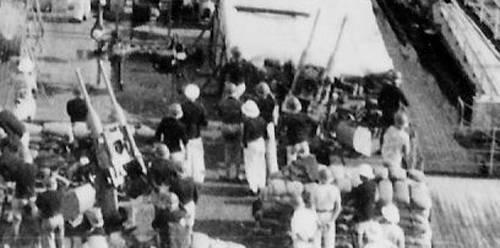 Diorama du Richelieu a Dakar 1940 -41 Trumpeter au 350em  - Page 6 Rd1091_zpsntyccgjp