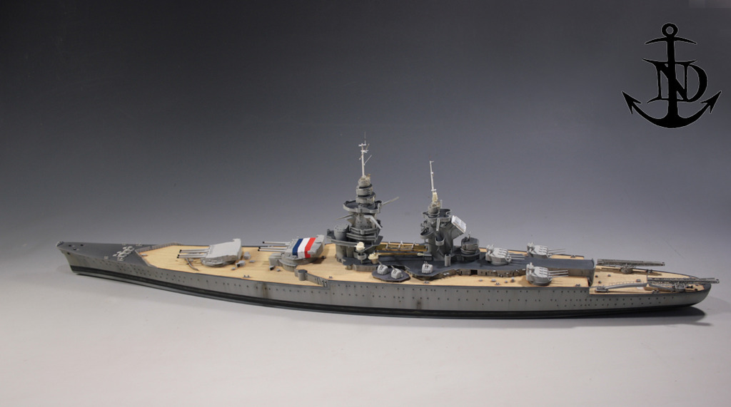 Diorama du Richelieu a Dakar 1940 -41 Trumpeter au 350em  - Page 3 Rd1002_zpstubw3fje