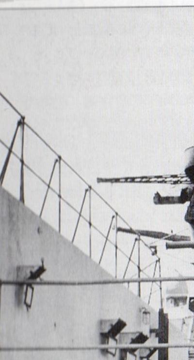 Diorama du Richelieu a Dakar 1940 -41 Trumpeter au 350em  - Page 5 Rd1043_zpstj6kfp2s