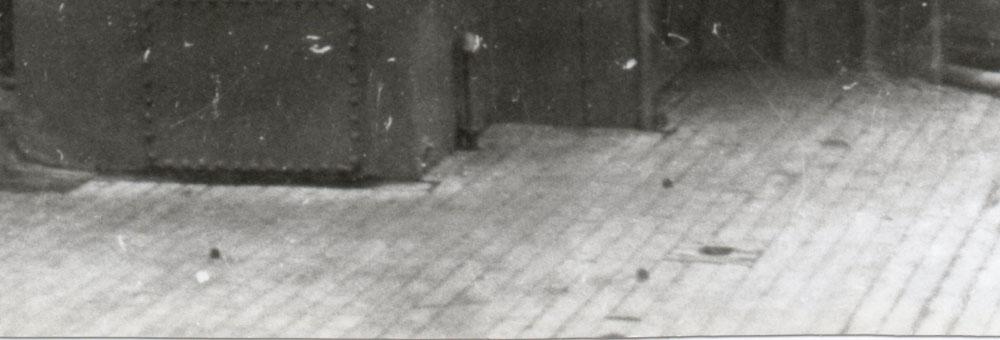 Diorama du Richelieu a Dakar 1941-42 Trumpeter  au 350em 2eme partie Rd517_zpsbcaf3181
