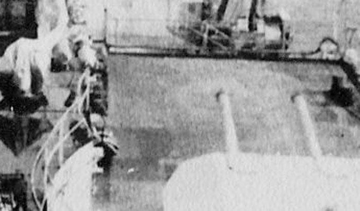 Diorama du Richelieu a Dakar 1941-42 Trumpeter  au 350em 2eme partie Rd519_zpse9f613bc