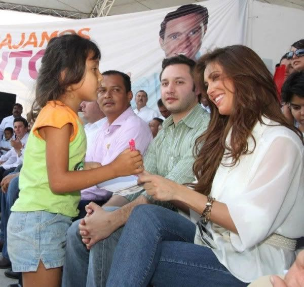 Anahi Puente [5] - Page 38 451024452