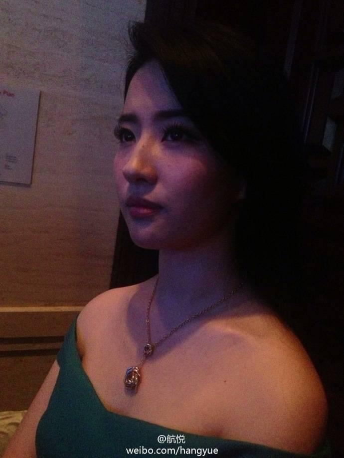 รวมภาพถ่ายจาก Blog และ Sina weibo Hang Yue  - Page 2 14a6856e2jw1e8m6pyhokpj20xc18g4b91