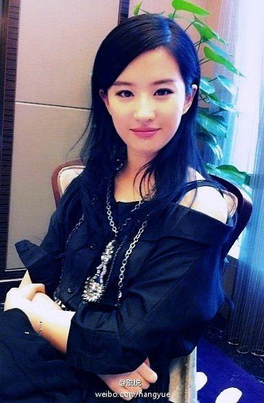 รวมภาพถ่ายจาก Blog และ Sina weibo Hang Yue  4a6856e2jw1dxbdrf3z48j