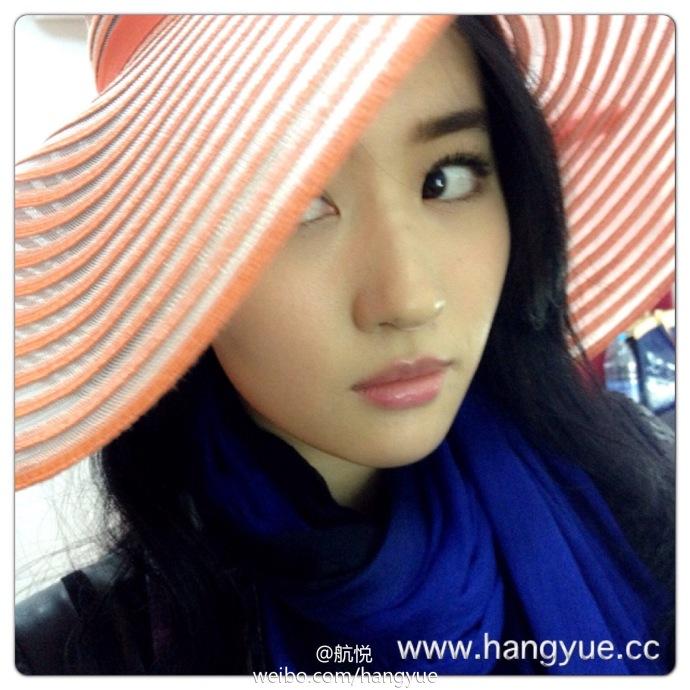รวมภาพถ่ายจาก Blog และ Sina weibo Hang Yue  - Page 3 14a6856e2jw1e9o4d4am24j218g18g15y1