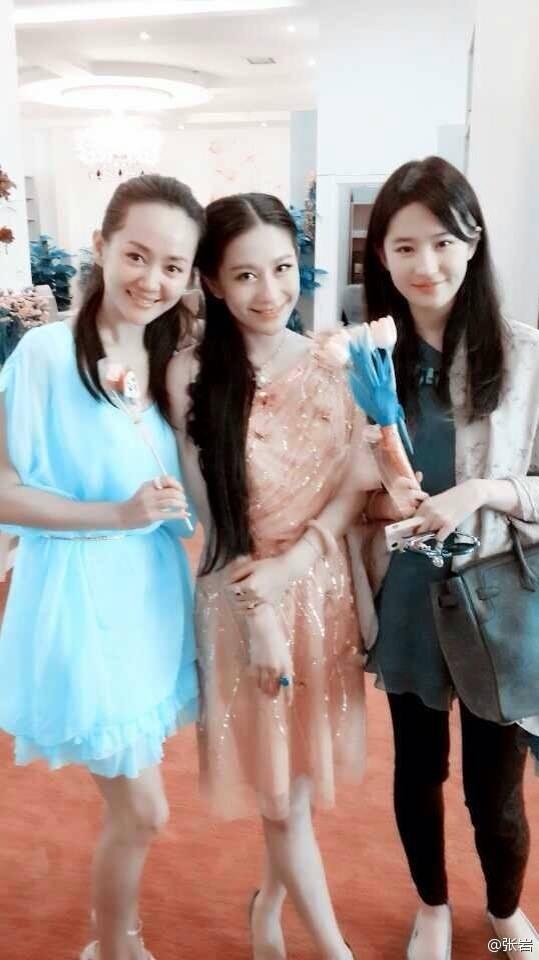 [08/08/13] ร้านดอกไม้ Zhenni Lan 6933cac7jw1e7flwy0fjej20ez0qomzj