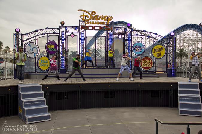 [Disney's Hollywood Studios & Disney California Adventure] Disney Channel Rocks! (octobre 2010) IMG_0122