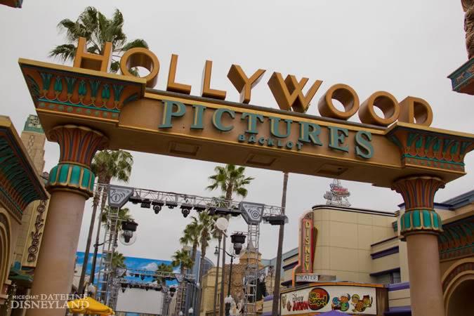 [Disney California Adventure] ElecTRONica (08/10/10 - 15/04/12) - Page 2 IMG_7379