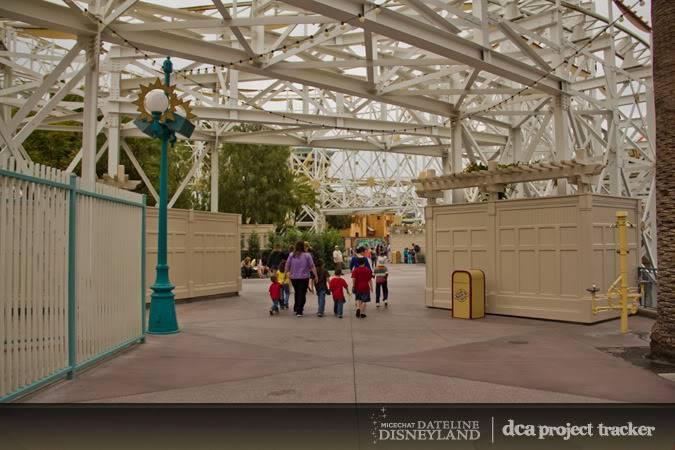 [Disney California Adventure] Placemaking: Pixar Pier, Buena Vista Street, Hollywood Land, Condor Flats - Page 5 IMG_7544