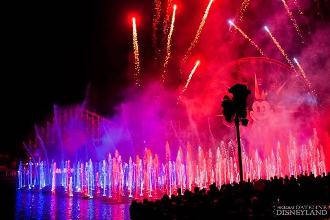 [Disney California Adventure] Le show nocturne World of Color (11 juin 2010) - Page 9 IMG_7530