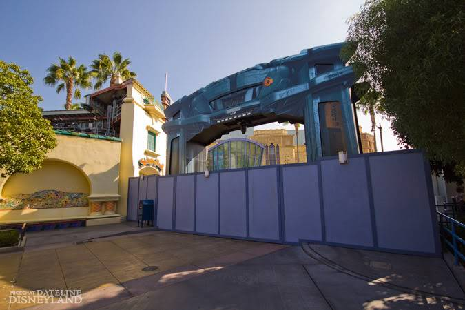 [Disney California Adventure] ElecTRONica (08/10/10 - 15/04/12) - Page 2 IMG_2876