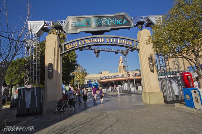 [Disney California Adventure] Mad T Party (officiellement à partir du 15 juin 2012 mais dès les 25 mai 2012) IMG_5070