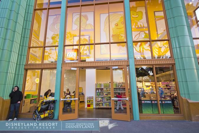 [Walt Disney World et Disneyland Resorts] Ouverture des nouveaux Lego Imagination Centers (2011 et 2012) IMG_7524
