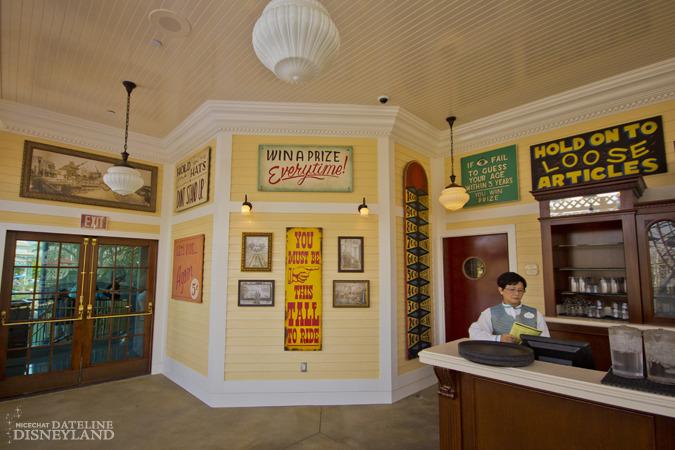 [Disney California Adventure] Placemaking: Pixar Pier, Buena Vista Street, Hollywood Land, Condor Flats - Page 17 IMG_0482