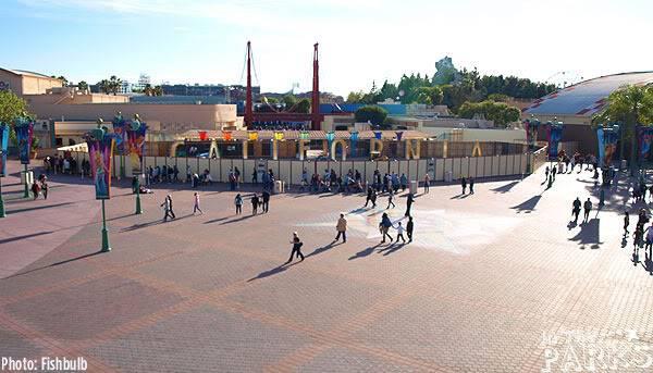 [Disney California Adventure] Placemaking: Pixar Pier, Buena Vista Street, Hollywood Land, Condor Flats - Page 4 P1011024