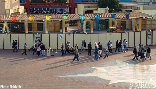 [Disney California Adventure] Placemaking: Pixar Pier, Buena Vista Street, Hollywood Land, Condor Flats - Page 4 P1011057