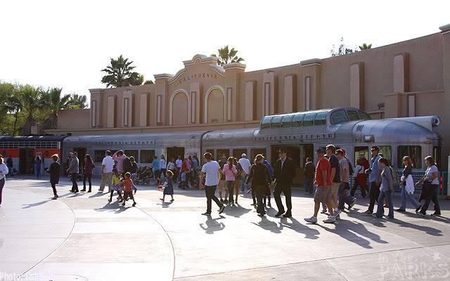 [Disney California Adventure] Placemaking: Pixar Pier, Buena Vista Street, Hollywood Land, Condor Flats - Page 6 IMG_0389