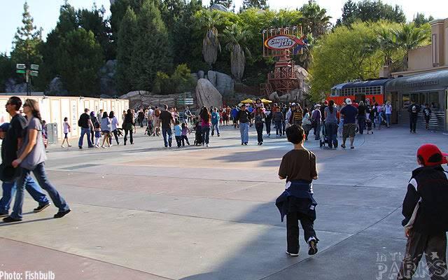 [Disney California Adventure] Placemaking: Pixar Pier, Buena Vista Street, Hollywood Land, Condor Flats - Page 6 IMG_0402