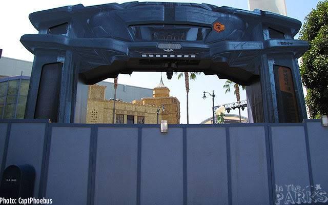 [Disney California Adventure] ElecTRONica (08/10/10 - 15/04/12) - Page 2 DCA-9-13-11-30