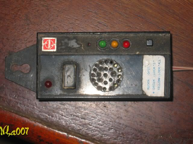 Lấy camera mobile làm dụng cụ thử khi sửa remote. Hopthudieukhientuxa