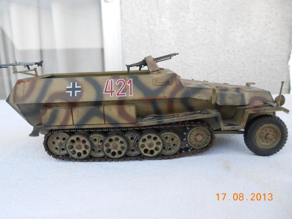 Hanomag sdkfz 251/1 tamiya 1/35 001_zpsa5ac7406