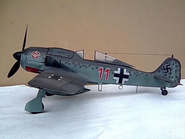 Focke wulf 190 1/32 Hasegawa Imagem0053_zps3c9a7153