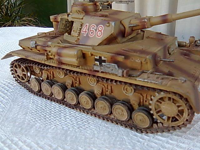 Panzer IV 1/35 academy Imagem0053_zpsb4475643