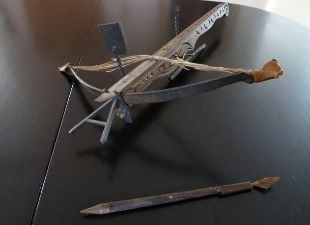 replica crossbow 001