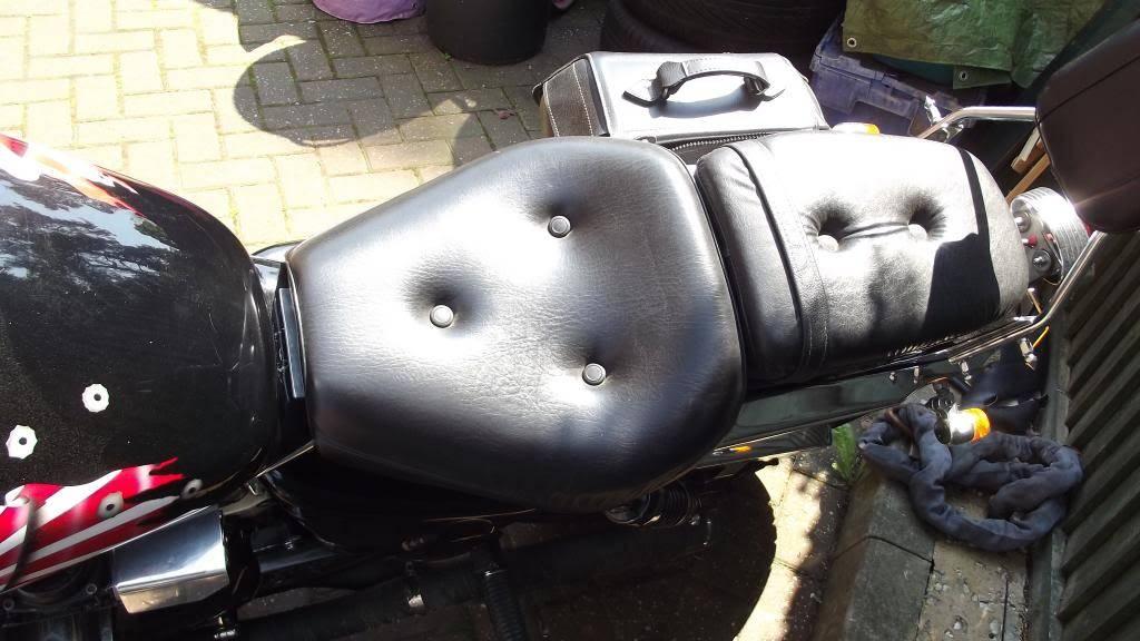 Seat recover - 1997 Suzuki VZ800V DSCF0276_zpscd6da2ba
