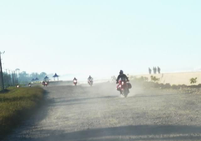 Ducati Ride: Bengkulu-Bukit Tinggi 2009 P1010547b