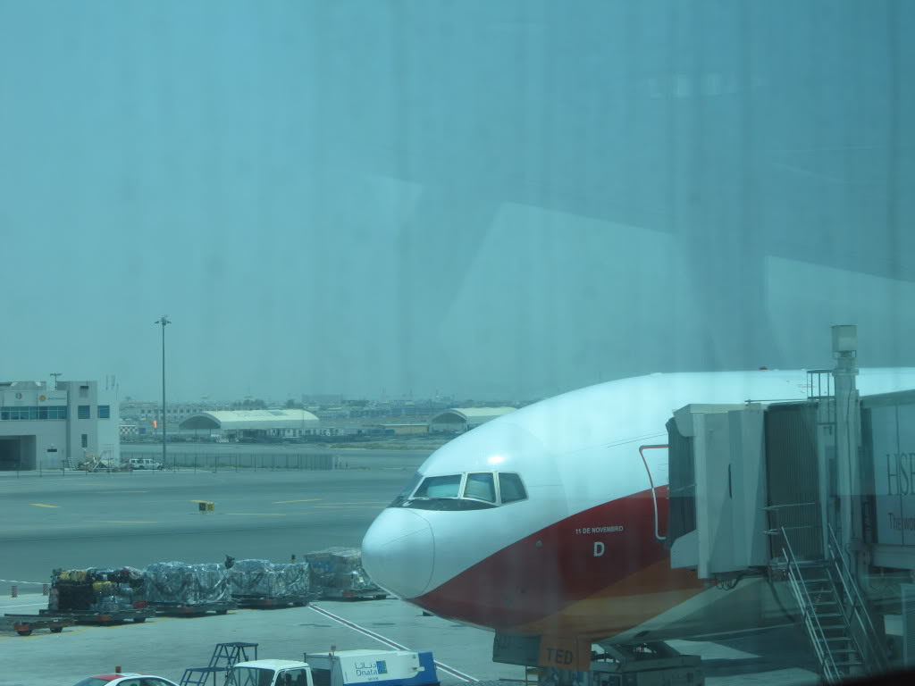 D2-TED DXB-LAD IMG_0299