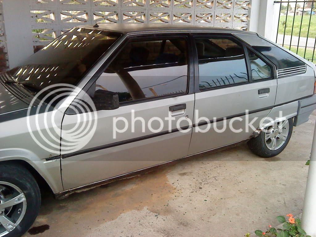 les muestro mi coche DSC00014