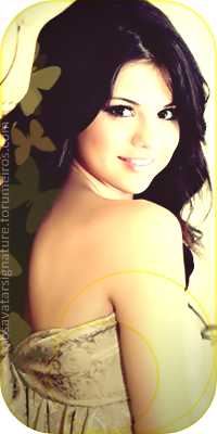Selena Gomez  Aline1