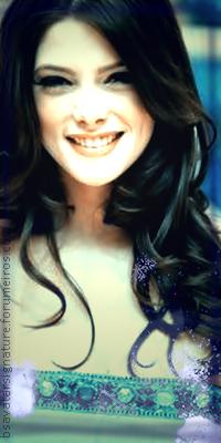 Ashley Greene Annie01