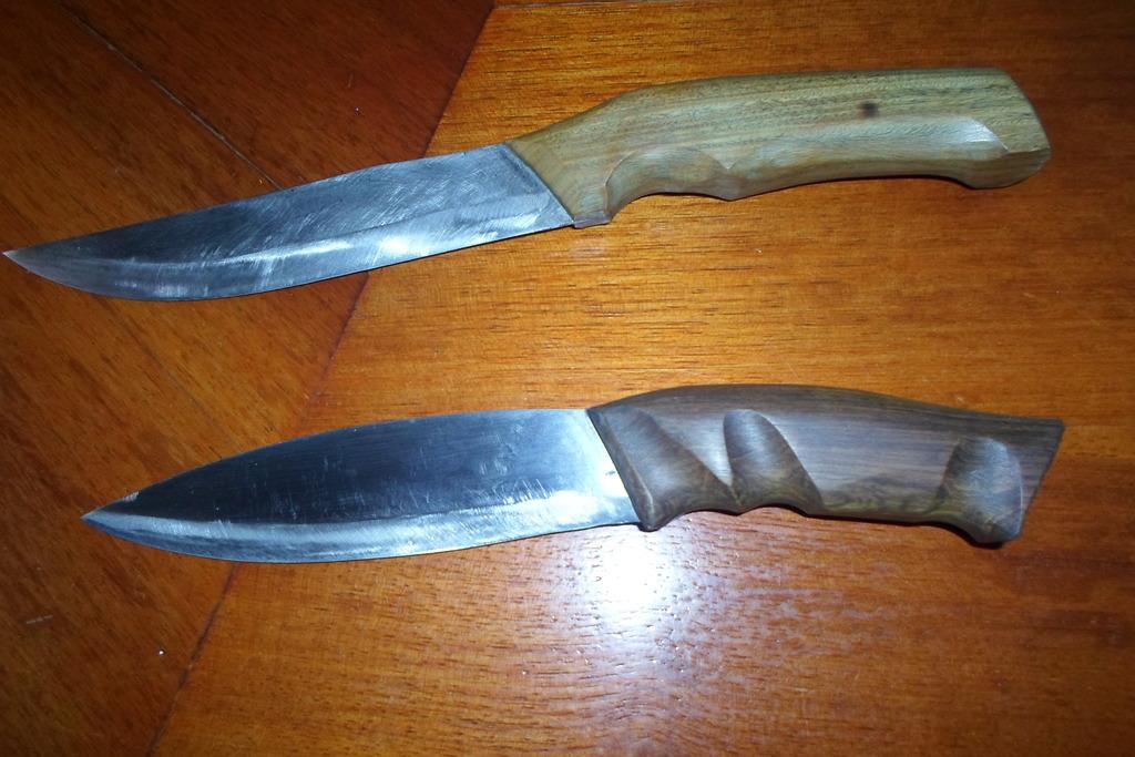 Algunos cuchillos 075