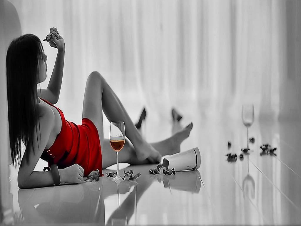 Mëngjeset e vitit 2013 - Faqe 4 587730-1024x768-red-dress