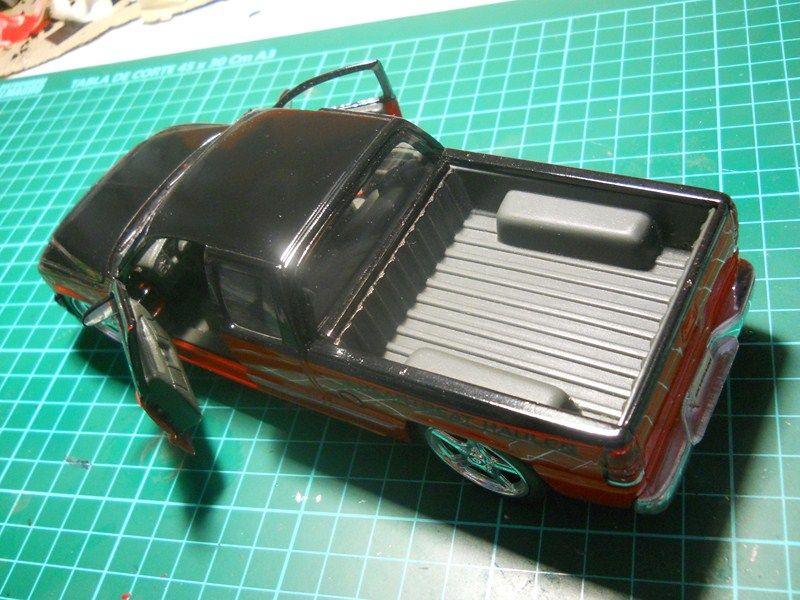 Chevrolet Silverado 1/24 ... finalizada ! DSCN3671800x600_zps8a2732b2