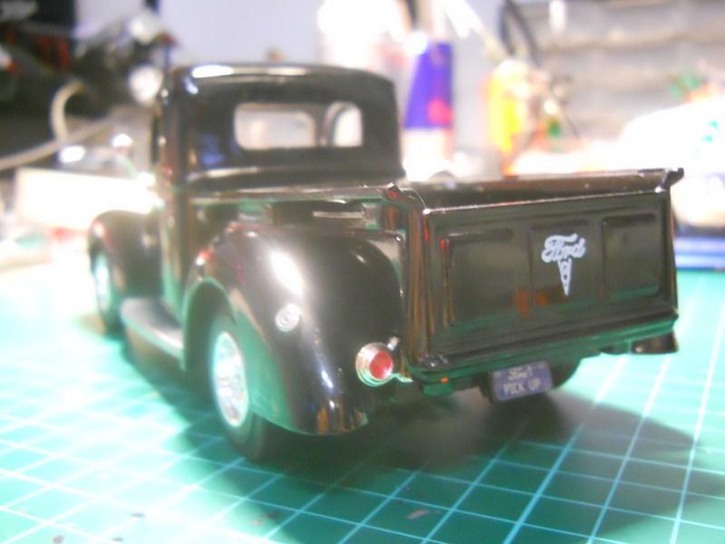 Ford 1942 Pickup 1/24 DSCN3549800x600_zps8f3d2fc3