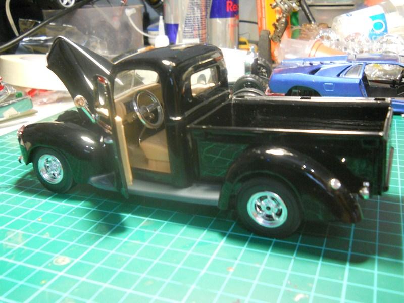 Ford 1942 Pickup 1/24 DSCN3551800x600_zpsc2b00e18