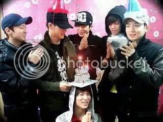 TEEN TOP Merayakan Leader C.A.P Birthday!~ CAPPP