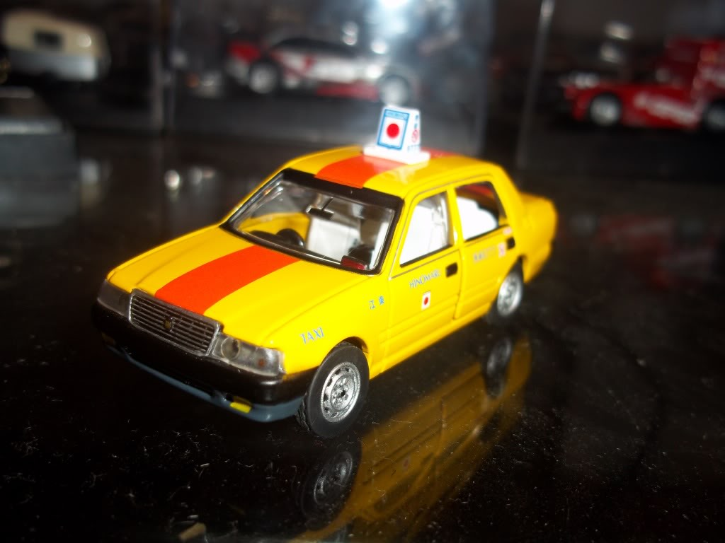 TOMICA LIMITED TOYOTA CROWN COMFORT 100_1831