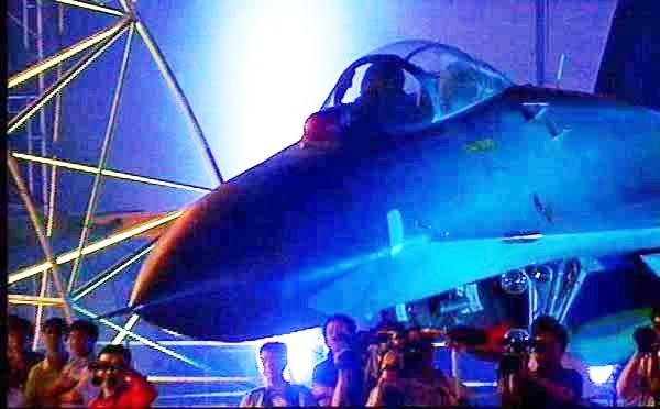 16 - Sukhoi S-55 y S-56 ¿Posible relevo de nuestros F-16? - Página 3 J11_3