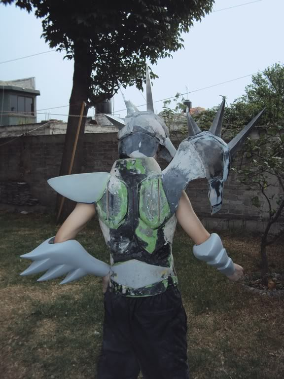 [Custom] Capacetes, tiaras e armaduras escalada 1:1 DSC01757