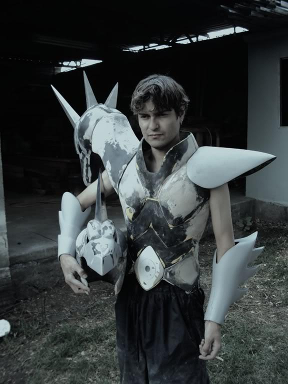 [Custom] Capacetes, tiaras e armaduras escalada 1:1 DSC01767