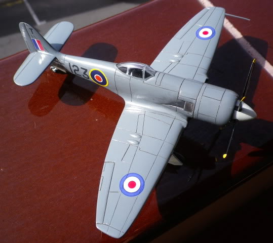 Hawker SeaFury, PM model, 1/72,terminado IMGP0001-2