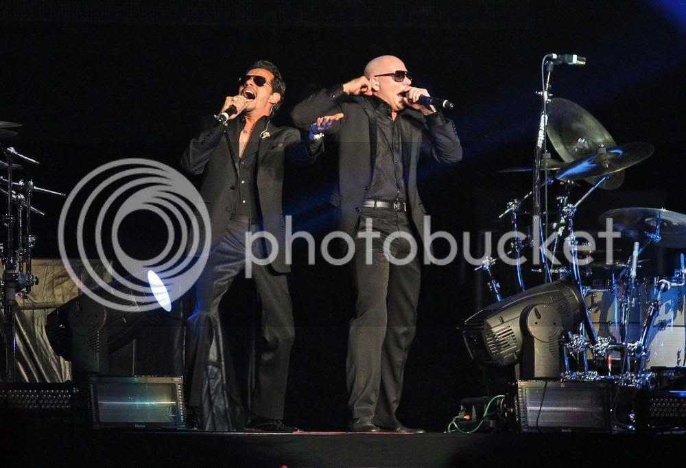Pitbull & Marc Anthony - LA Staples 10/6/11 - Rain Over Me Marc-PitbullyEnriqueIglesiasConciertoenelStaplesCenter-LosAngeles-California-06-10-2011-04