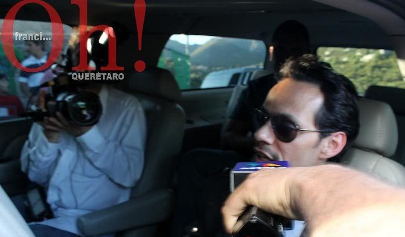 MARC EN MEXICO MarcAnthonyasullegadaalaPeadeBernal-Quertaro-Mxico-17-10-2011-01