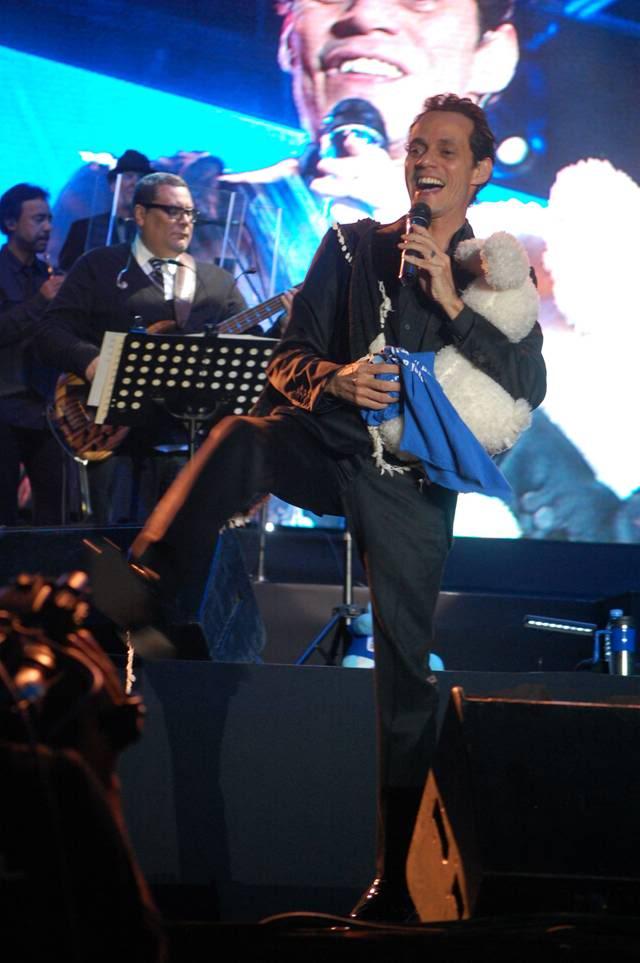 MARC PURO PROFESIONALISMO!! SE LUCE EN BUENOS AIRES   MarcConciertoEstadioFerrocarrilOeste-BuenosAires-Argentina-01-03-2012-15